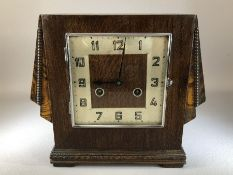 1930s/40s English oak wing case clock, striking on a gong, approx 24cm in height