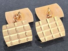 Pair of 9ct Gold cufflinks of geometric design approx 3.2g