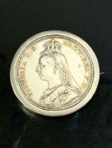 Old Head Queen Victoria Silver coin in mount total weight approx 40g dated 1887