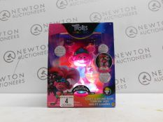 1 BRAND NEW BOXED TROLLS WORLD TOUR LIGHT & SOUND COIN BANK RRP £39.99