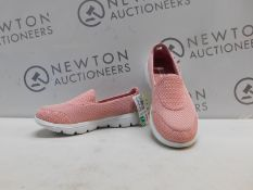 1 PAIR OF WOMENS SKECHERS ULTRA GO SIZE 4.5 TRAINERS RRP £59.99