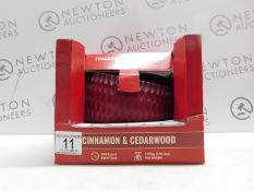 1 BOXED TORC CINAMON & CEDARWOOD LARGE FRAGRANCED CANDLE IN GLASS JAR RRP £39