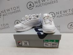 1 BOXED PAIR OF FILA DISARRAY TRAINERS WHITE UK SIZE 5 RRP £39