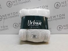 1 BOXED MINKY M CLOTH ANTI-BACTERIAL CLEANING PADS RRP £14.99