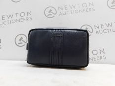 1 DENTS PEBBLE NAVY LEATHER WASH BAG RRP £59