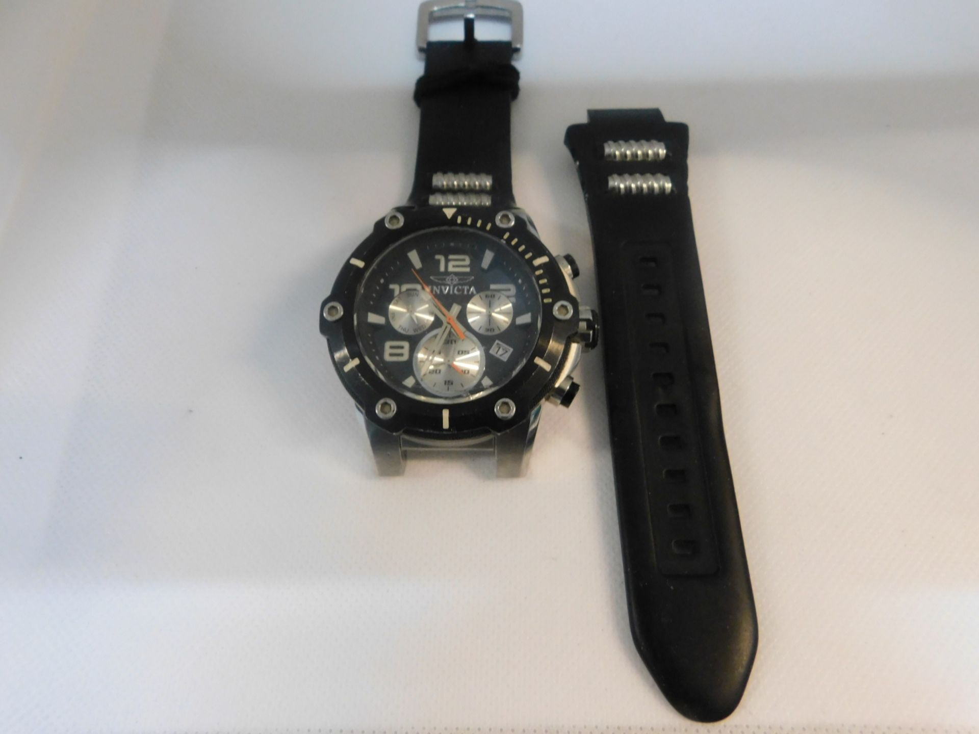 1 INVICTA MENS CHRONOGRAPH WATCH RRP £299 (STRAP NEEDS PIN REPLACING)