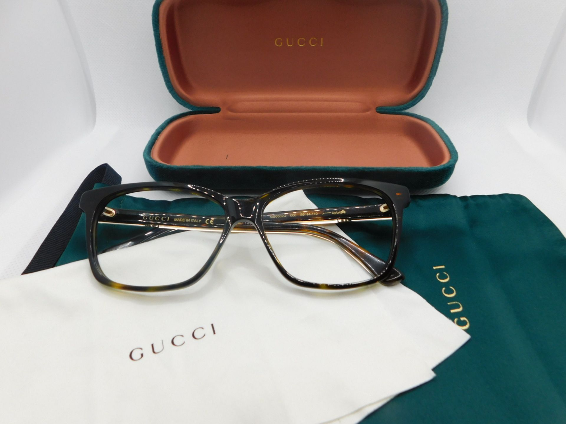 1 PAIR OF GUCCI LADIES GLASSES FRAME WITH CASE AND POUCH MODEL GG05320 RRP £199