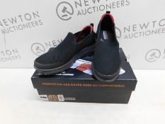1 BOXED PAIR OF MENS SKECHERS PERFORMANCE SHOES UK SIZE 10 RRP £49