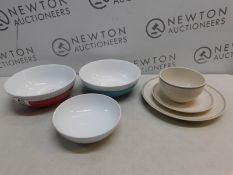1 SET OF STONEWARE CERAMIC SERVING BOWLS AND PLATES RRP £29
