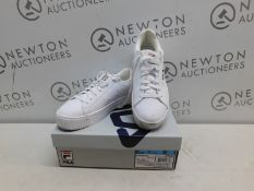1 BOXED PAIR OF WOMENS FILA REDMOND TRAINERS UK SIZE 8 RRP £39