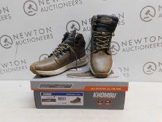 1 BOXED PAIR OF MENS KHOMBU NELSON SHOES UK SIZE 8 RRP £59