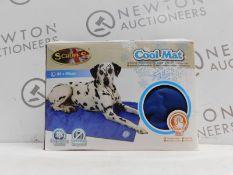 1 BOXED SCRUFFS SELF-COOLING MAT RRP £24.99