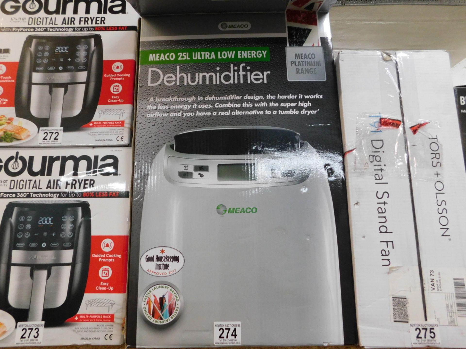 1 BOXED MEACO 25L DEHUMIDIFIER RRP £299