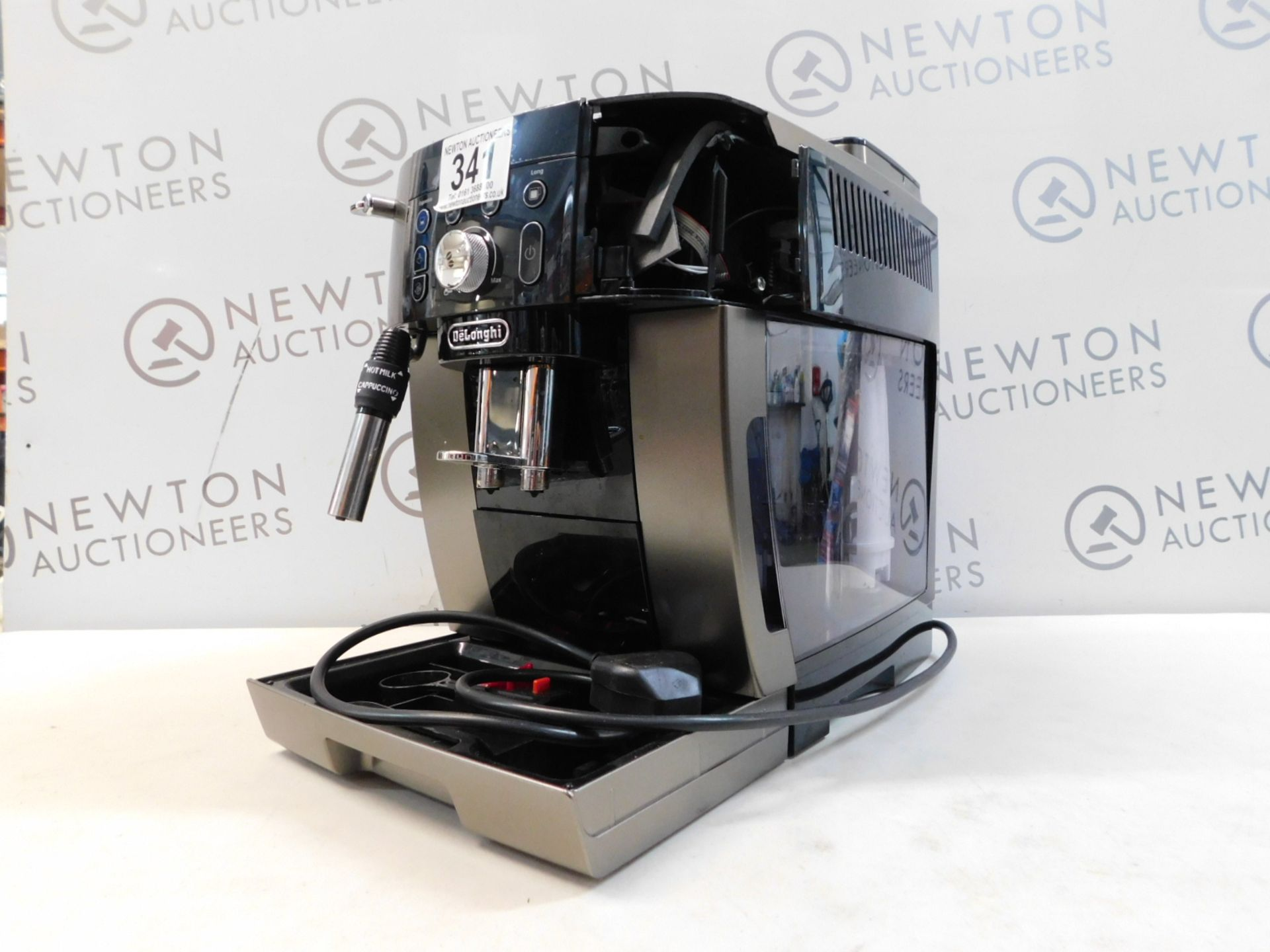 1 DELONGHI MAGNIFICA ECAM250.33.TB SMART BEAN TO CUP COFFEE MACHINE RRP £449 (DAMAGED ON THE SIDE)
