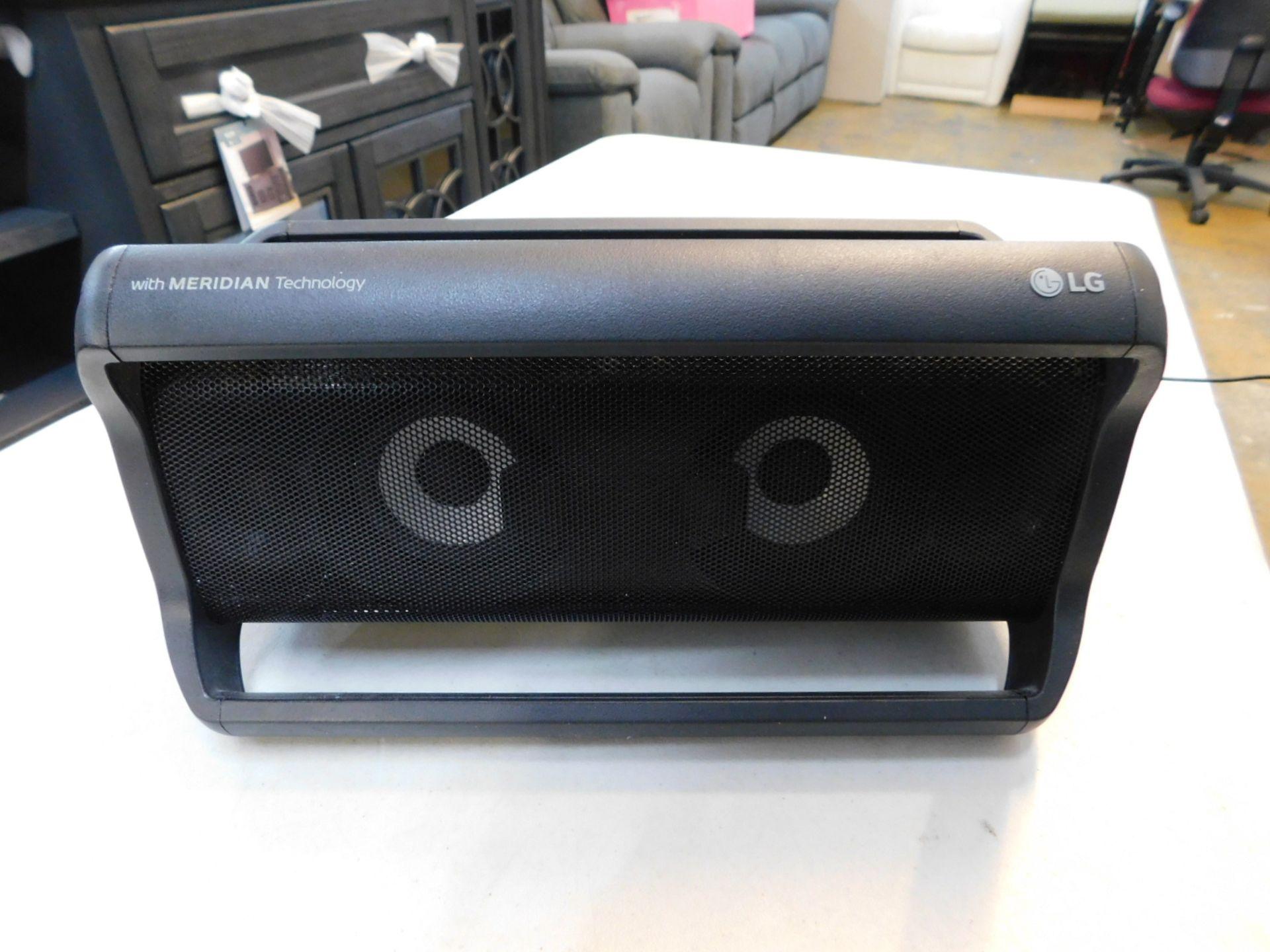 1 LG PK7 PORTABLE SPEAKER WITH MERIDIAN TECHNOLOGY RRP £199
