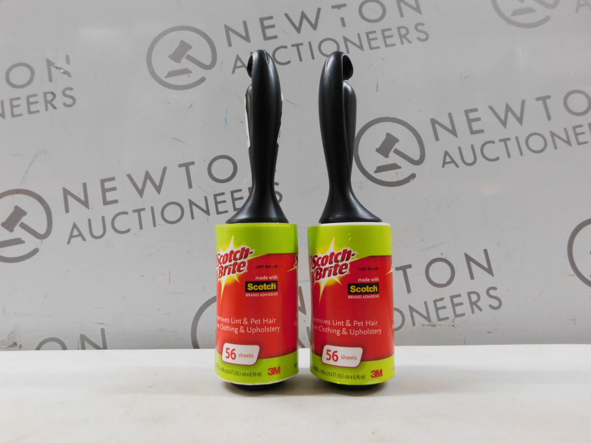 2 SCOTCH BRITE LINT ROLLERS AND RRP £29.99