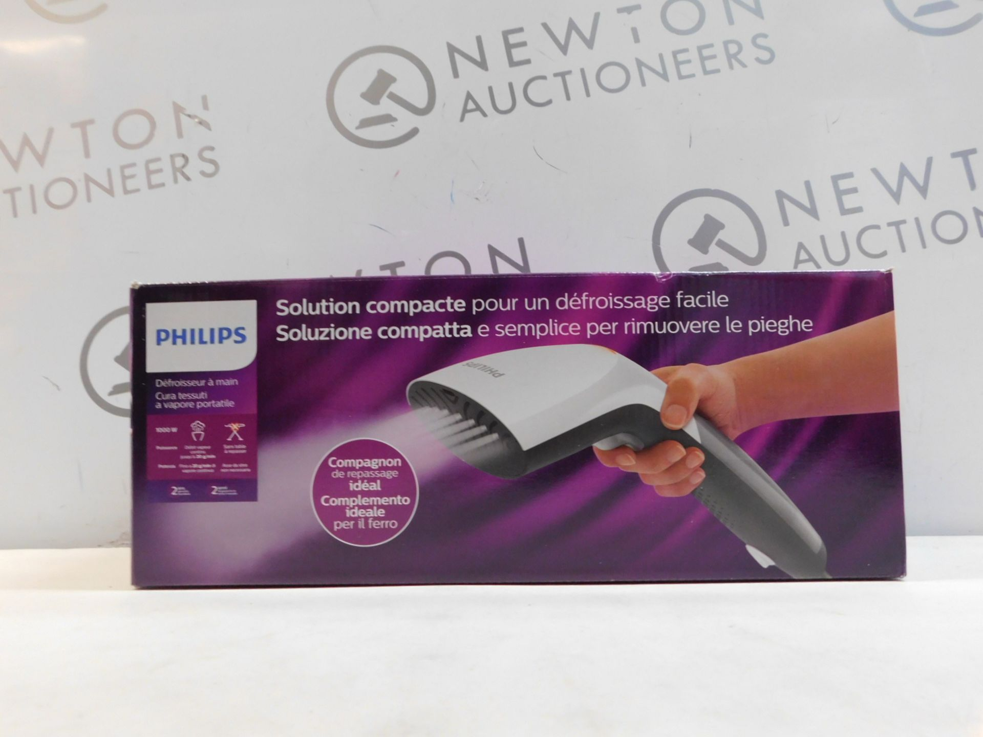 1 BOXED PHILIPS STEAM AND GO HANDHELD GARMENT STEAMER RRP £39.99