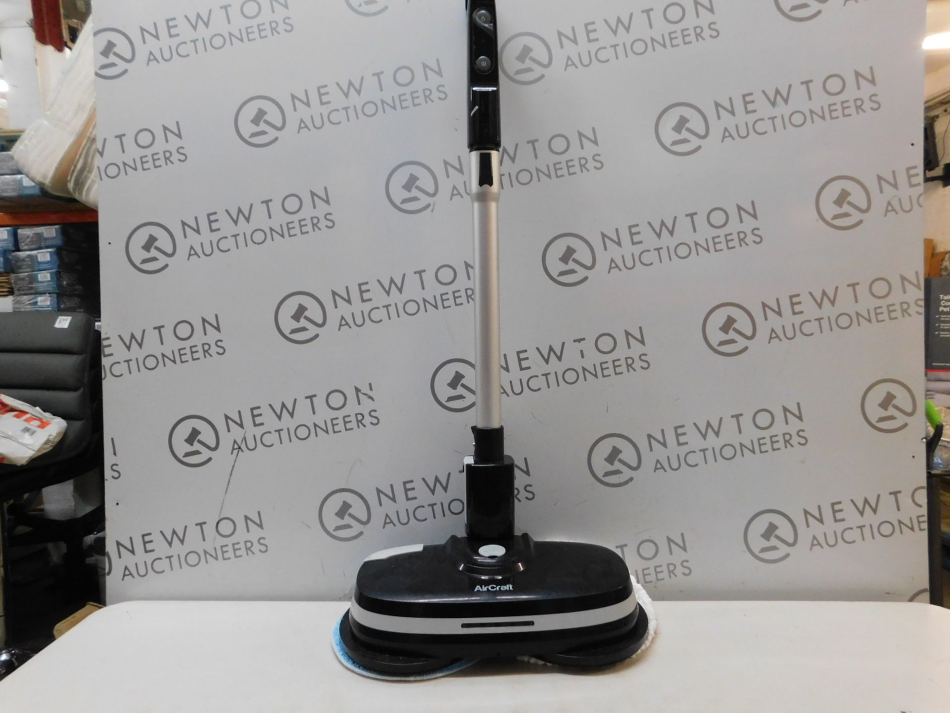 1 AIRCRAFT POWERGLIDE CORDLESS HARD FLOOR CLEANER & POLISHER RRP £199
