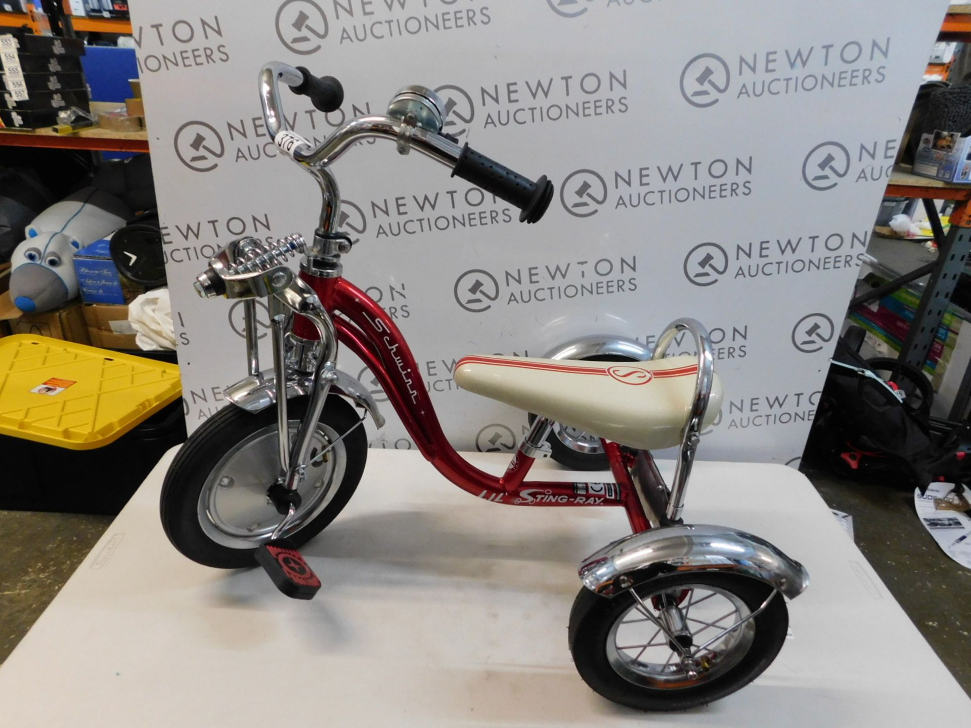 1 SCHWINN LIL STING-RAY SUPER DELUXE TRICYCLE RRP £129.99