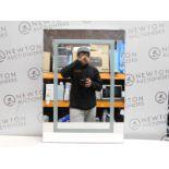1 TAVISTOCK ELEMENT BLUETOOTH SPEAKER LED BATHROOM MIRROR RRP £199 (CRACKED)