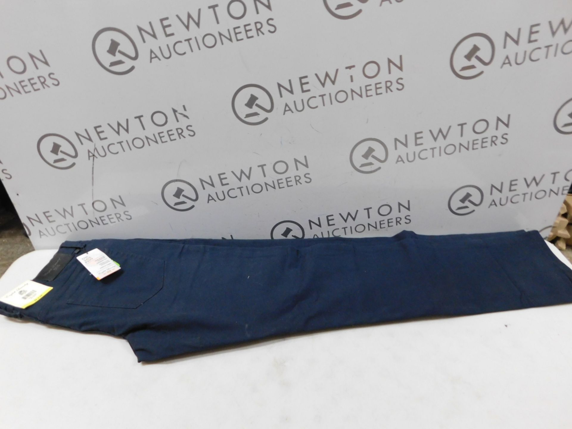 1 ENGLISH LAUNDRY MEN'S STRETCH TROUSERS SIZE 32 X 34 RRP £29