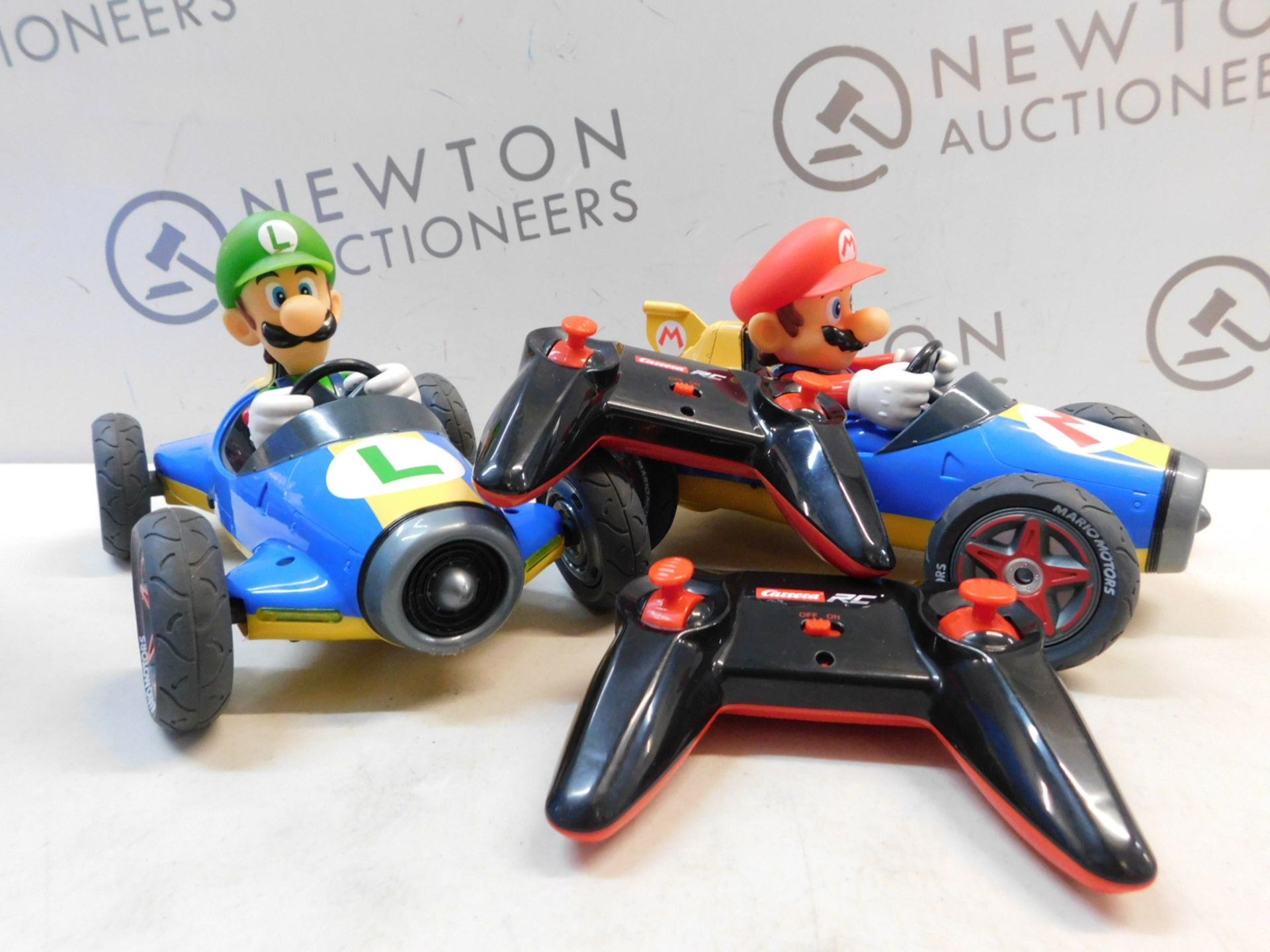 1 CARRERA REMOTE CONTROLLED MARIO RACE KART TOYS WITH SOUND RRP £79.99
