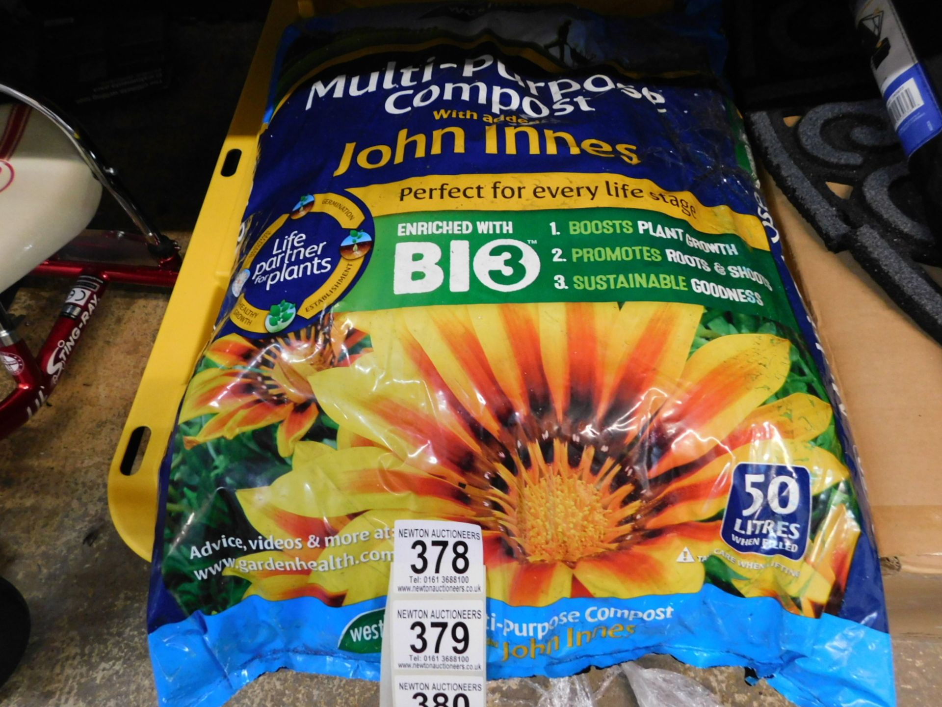1 BAGGED WESTLAND GRO-SURE ALL-PURPOSE COMPOST RRP £29.99