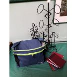 Canvas as new cool bag with a sel. of photo albums etc.