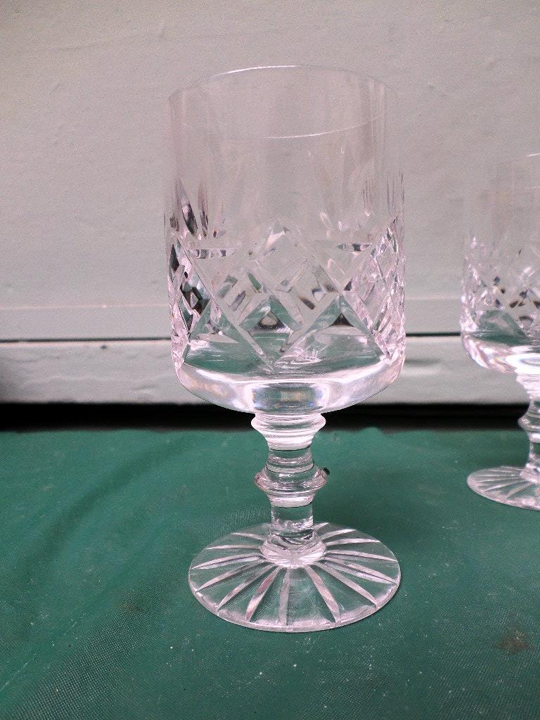 6 diamond cut Stuart crystal wine glasses - Image 2 of 11