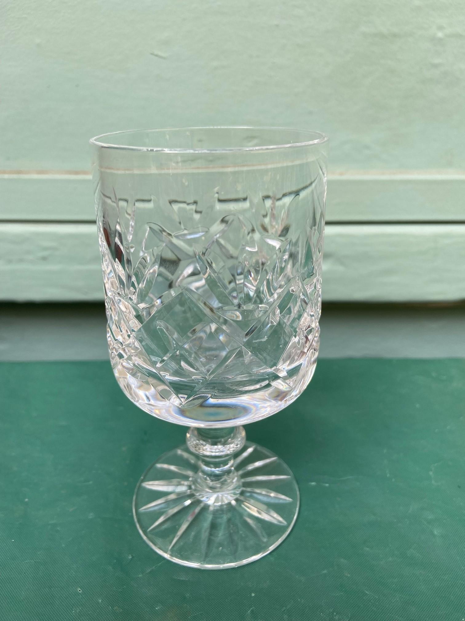 6 diamond cut Stuart crystal wine glasses - Image 6 of 11