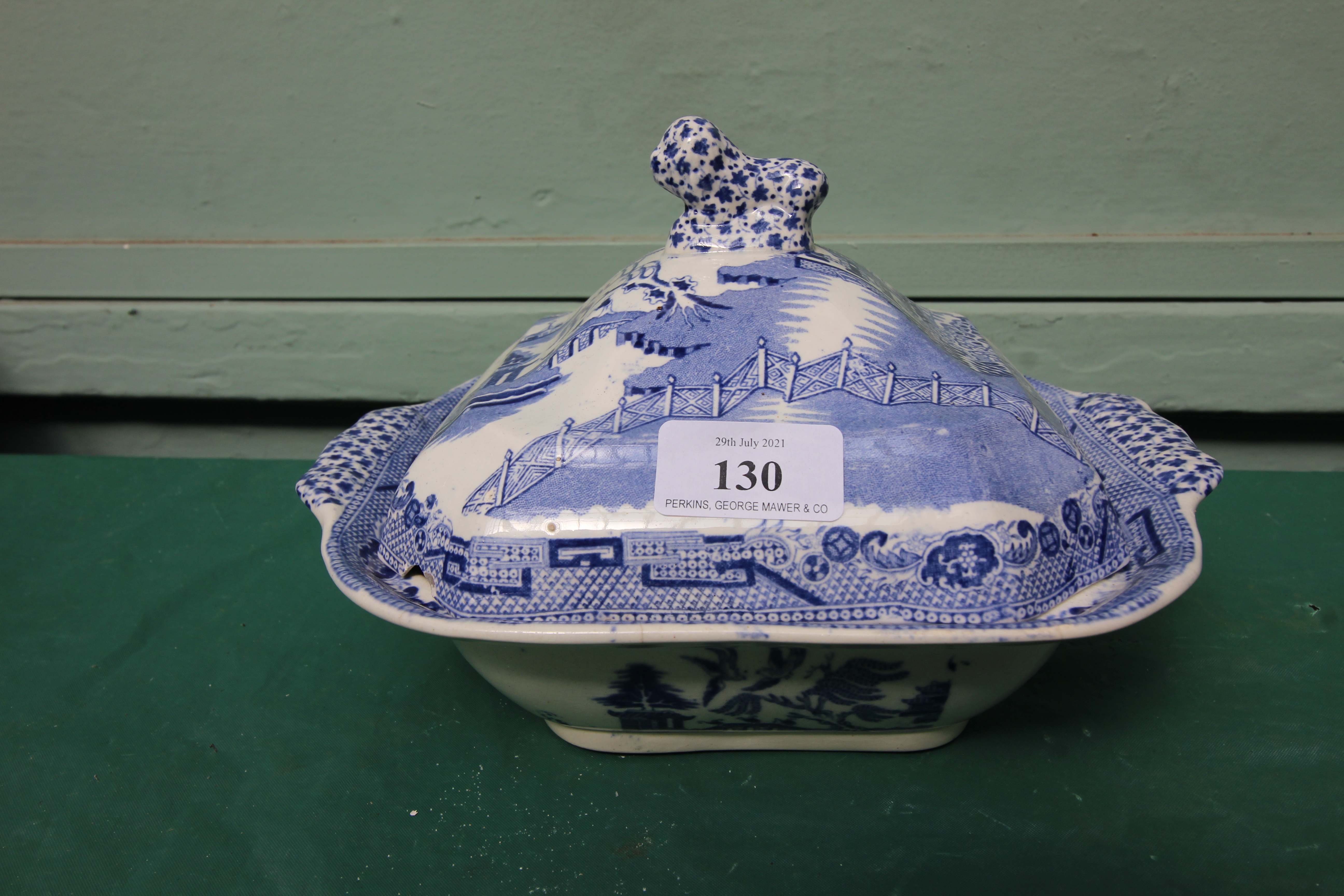 Early willow patterned lidded vegetable dish