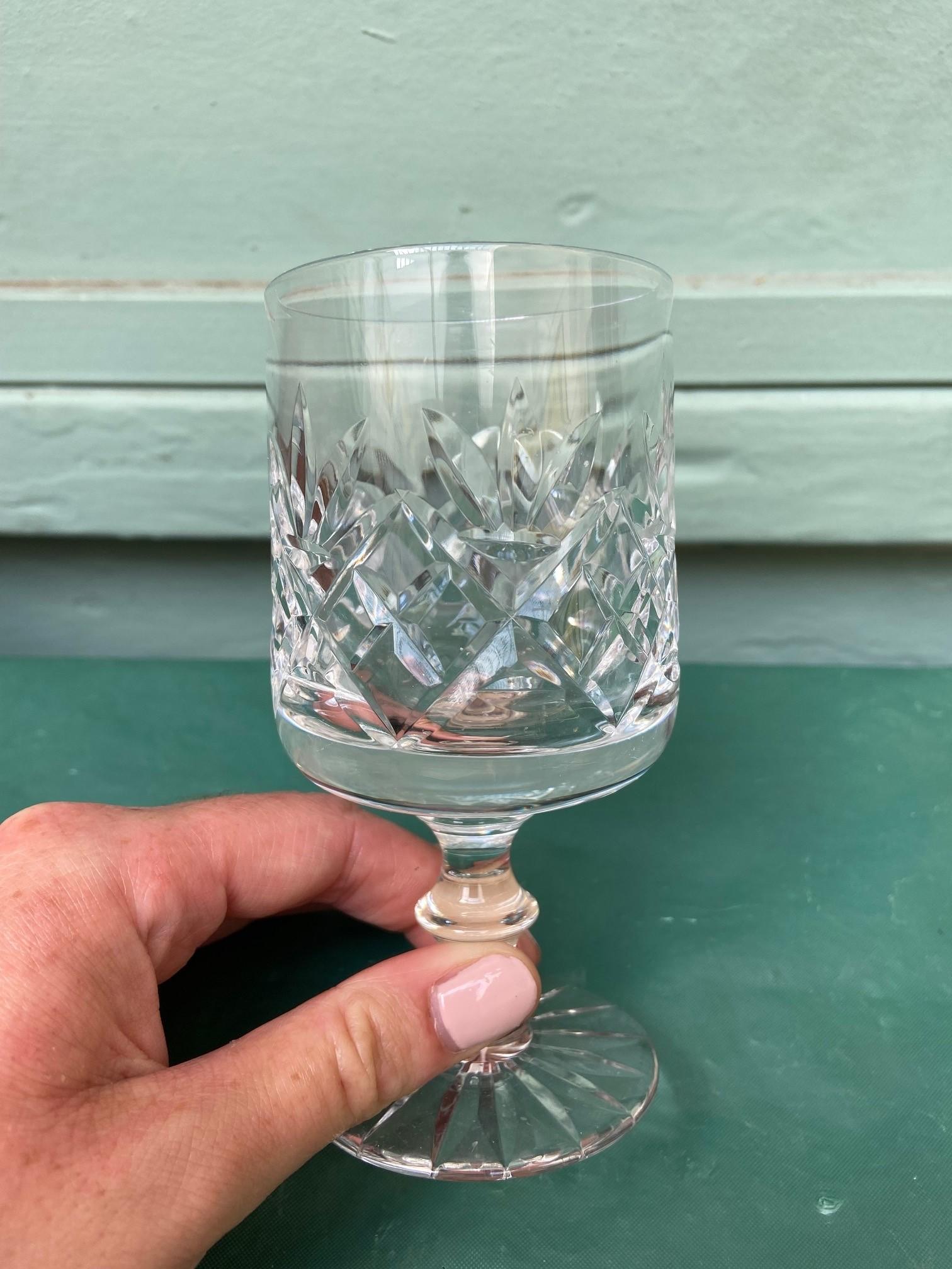 6 diamond cut Stuart crystal wine glasses - Image 7 of 11