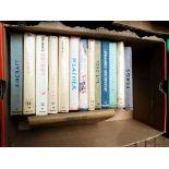 Box incl. 13 Observer books and a vol.