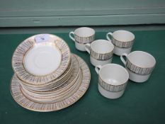 Arklow Irish white and gilt patterned part tea service (18 pieces)