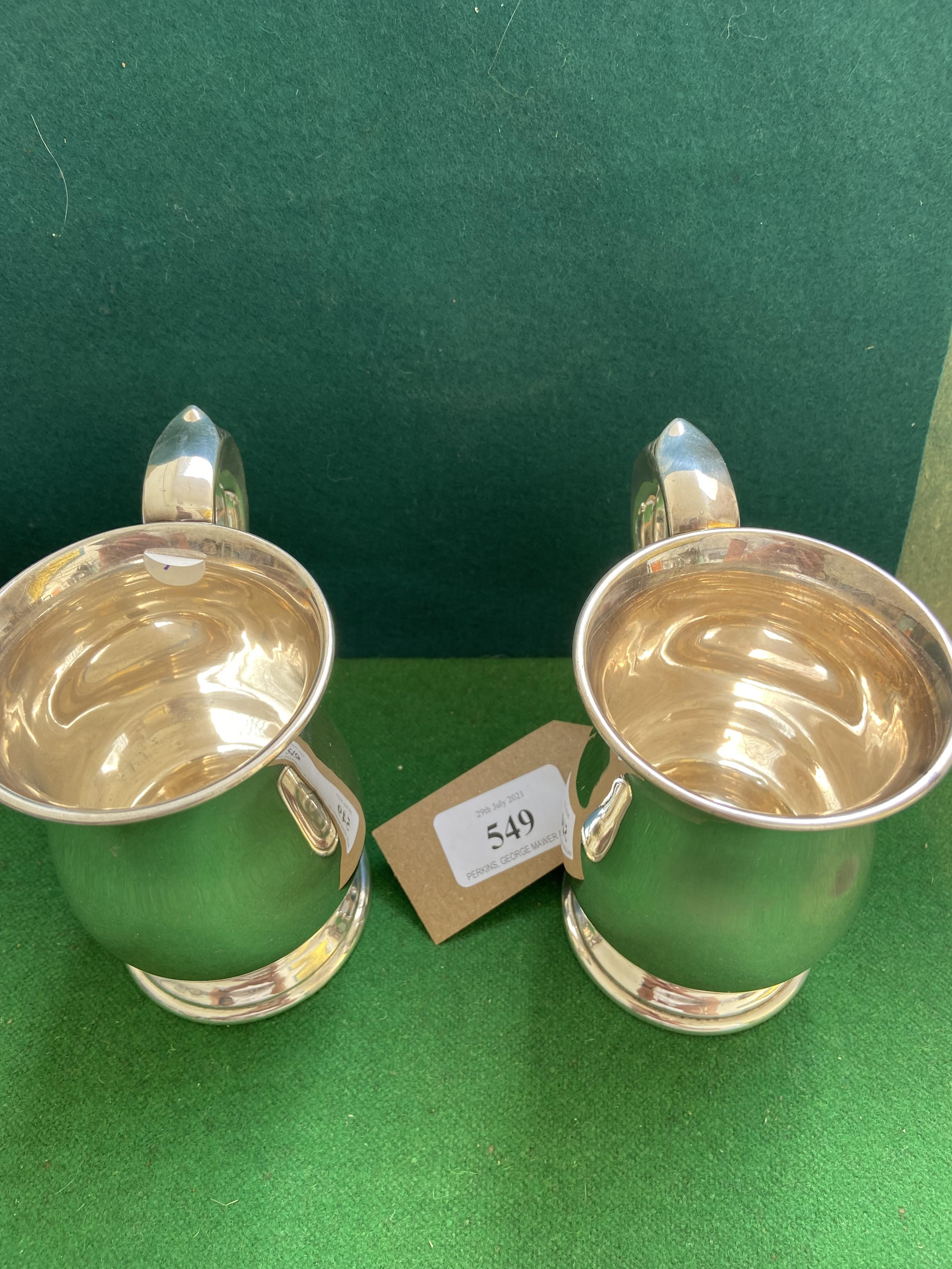Fine pair of Georgian style silver half pint tankards (Sheffield 1940) (12 3/4 oz. - Image 3 of 3