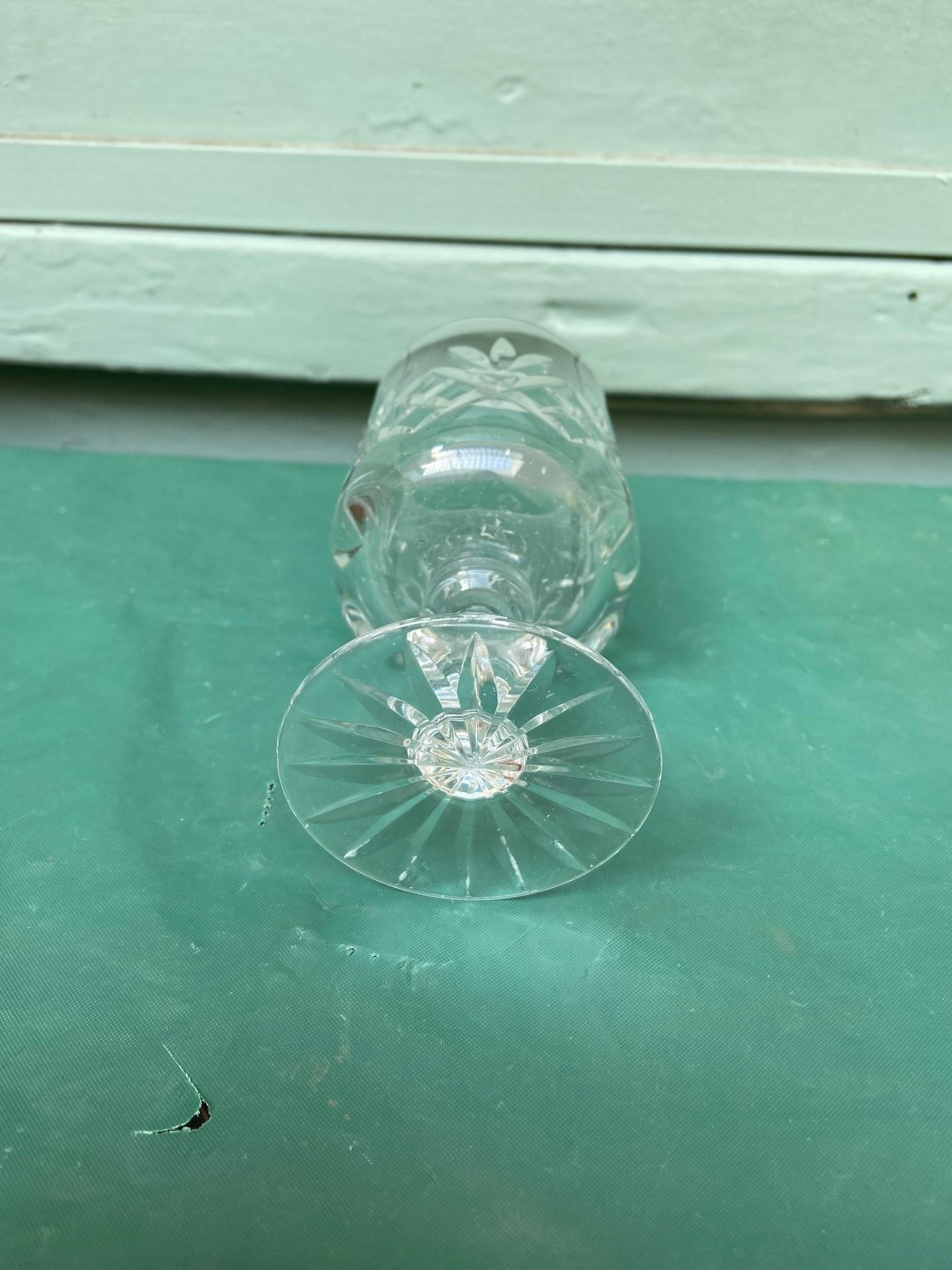 6 diamond cut Stuart crystal wine glasses - Image 8 of 11