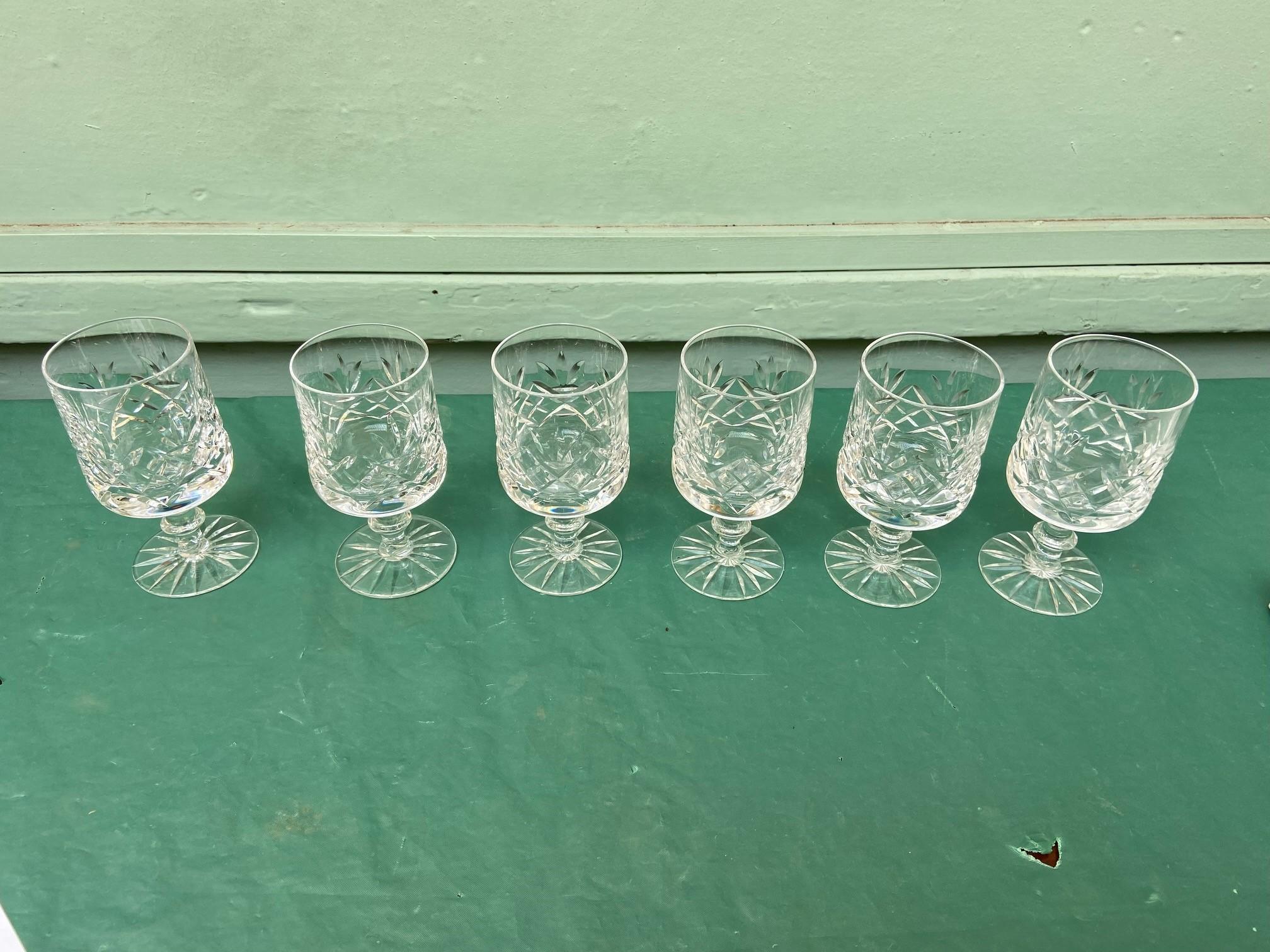 6 diamond cut Stuart crystal wine glasses - Image 4 of 11
