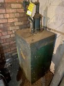 OIL TANK AND PUMP