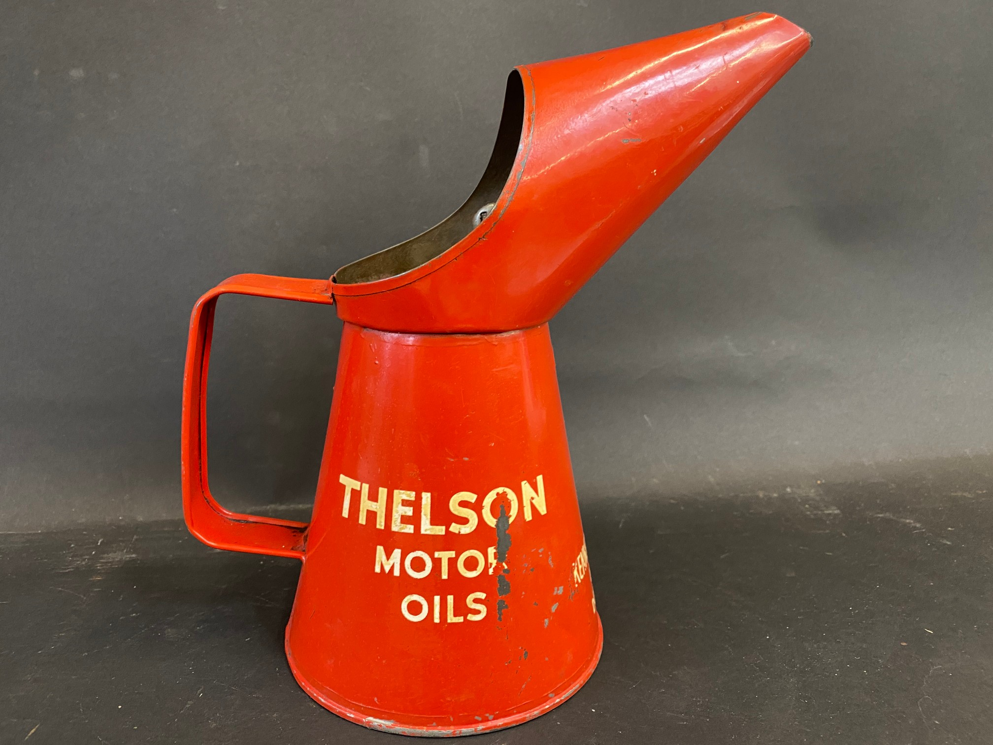 A Thelson Tractor Oils quart measure, in good condition. - Image 3 of 5