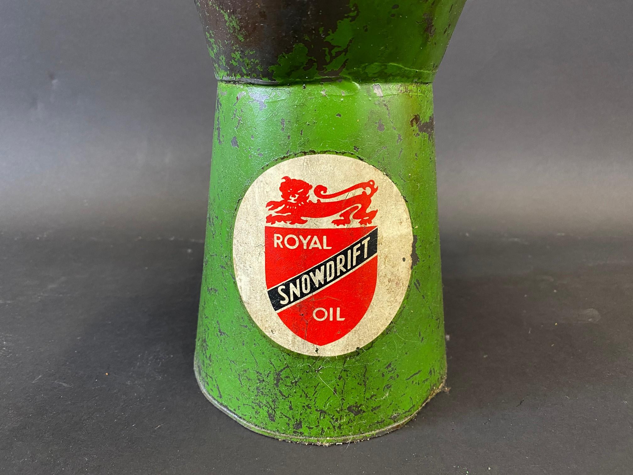 A Royal Snowdrift Oil quart measure. - Image 2 of 5