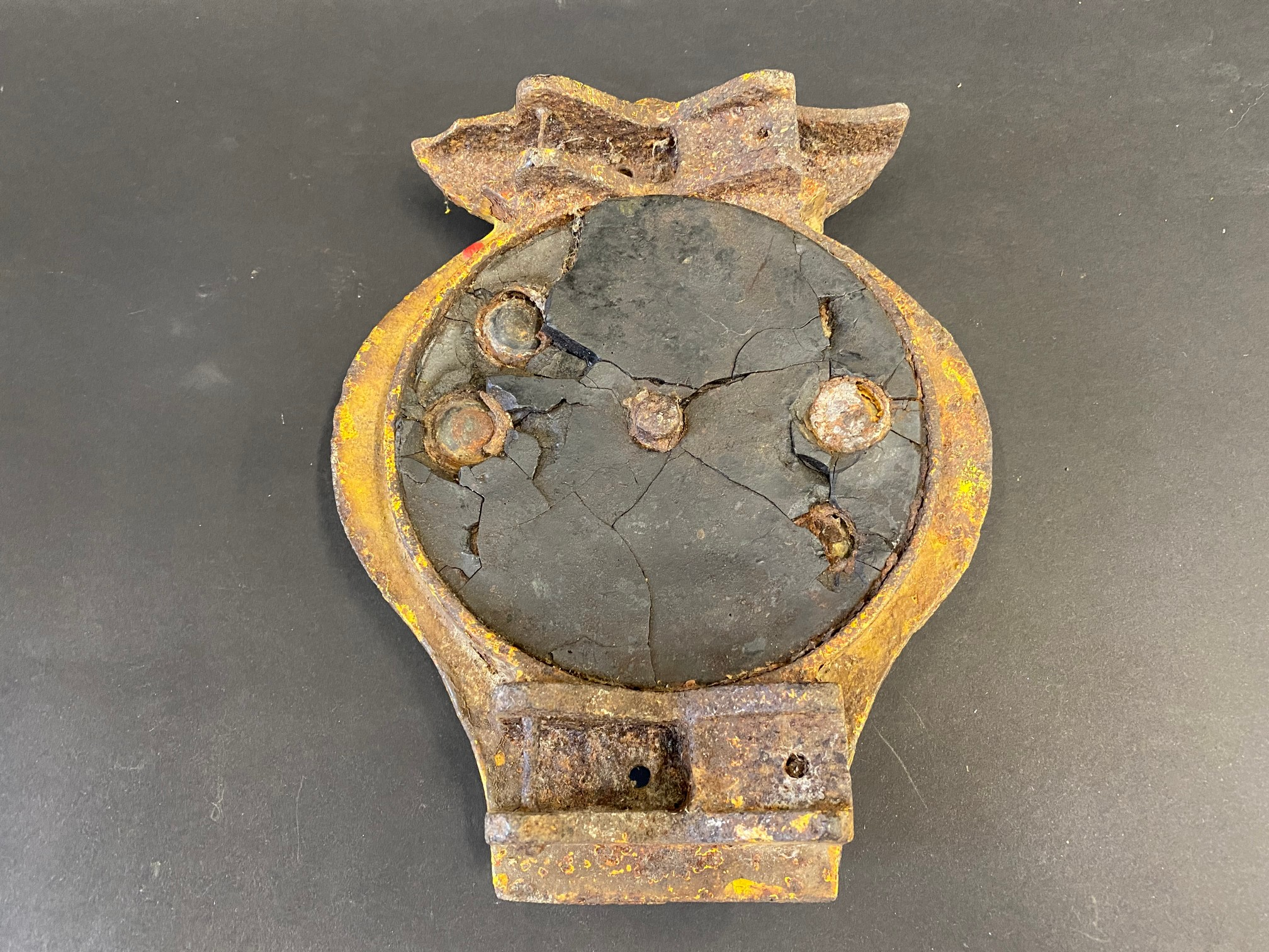 """An early AA cast iron post mounted plaque with 14 integral red glass inserts, 7 1/2 x 9 1/2"""". - Image 4 of 4"""