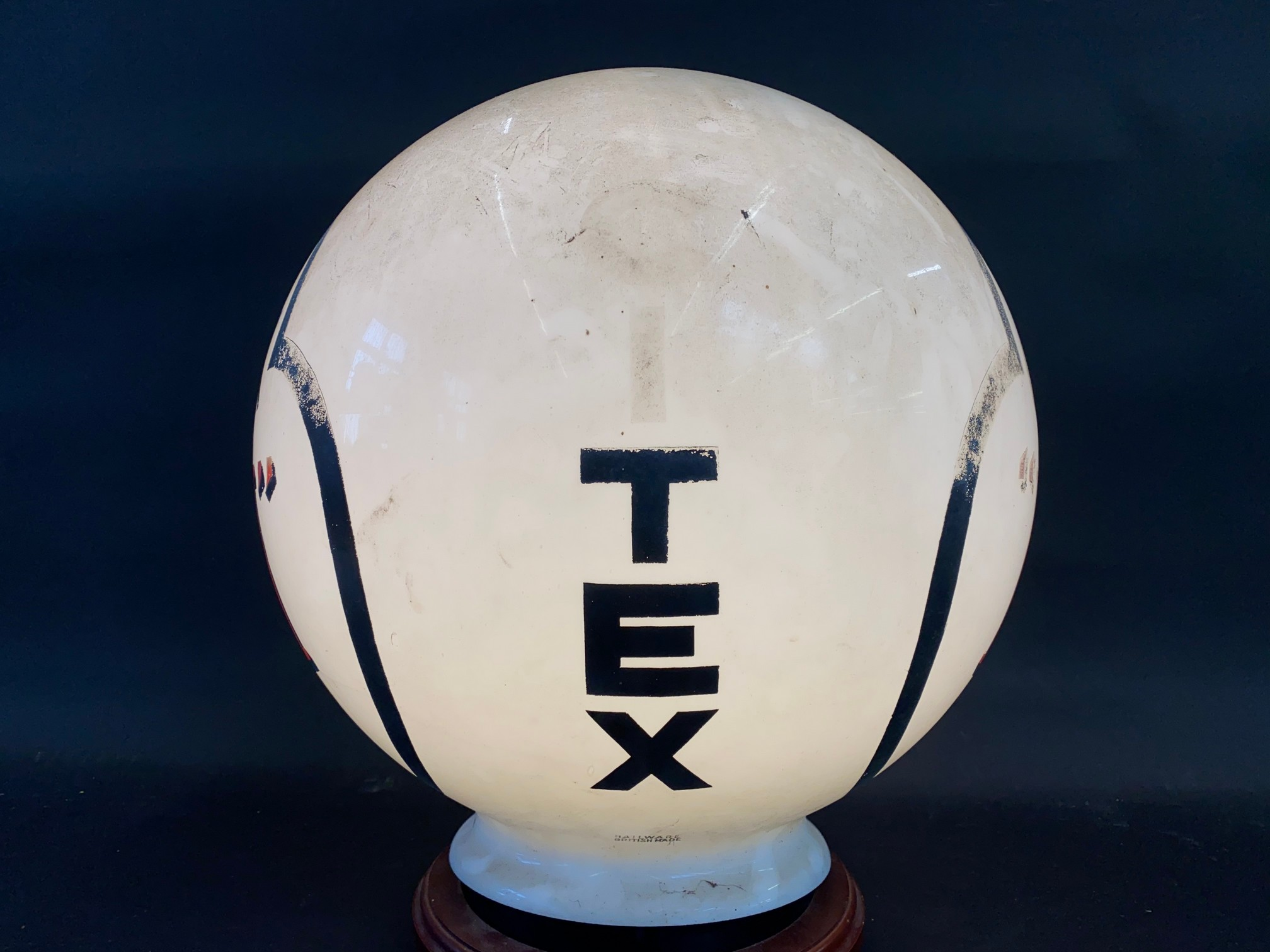 A very rare Citex 'KN' spherical ball glass petrol pump globe, in good original condition. - Image 4 of 5