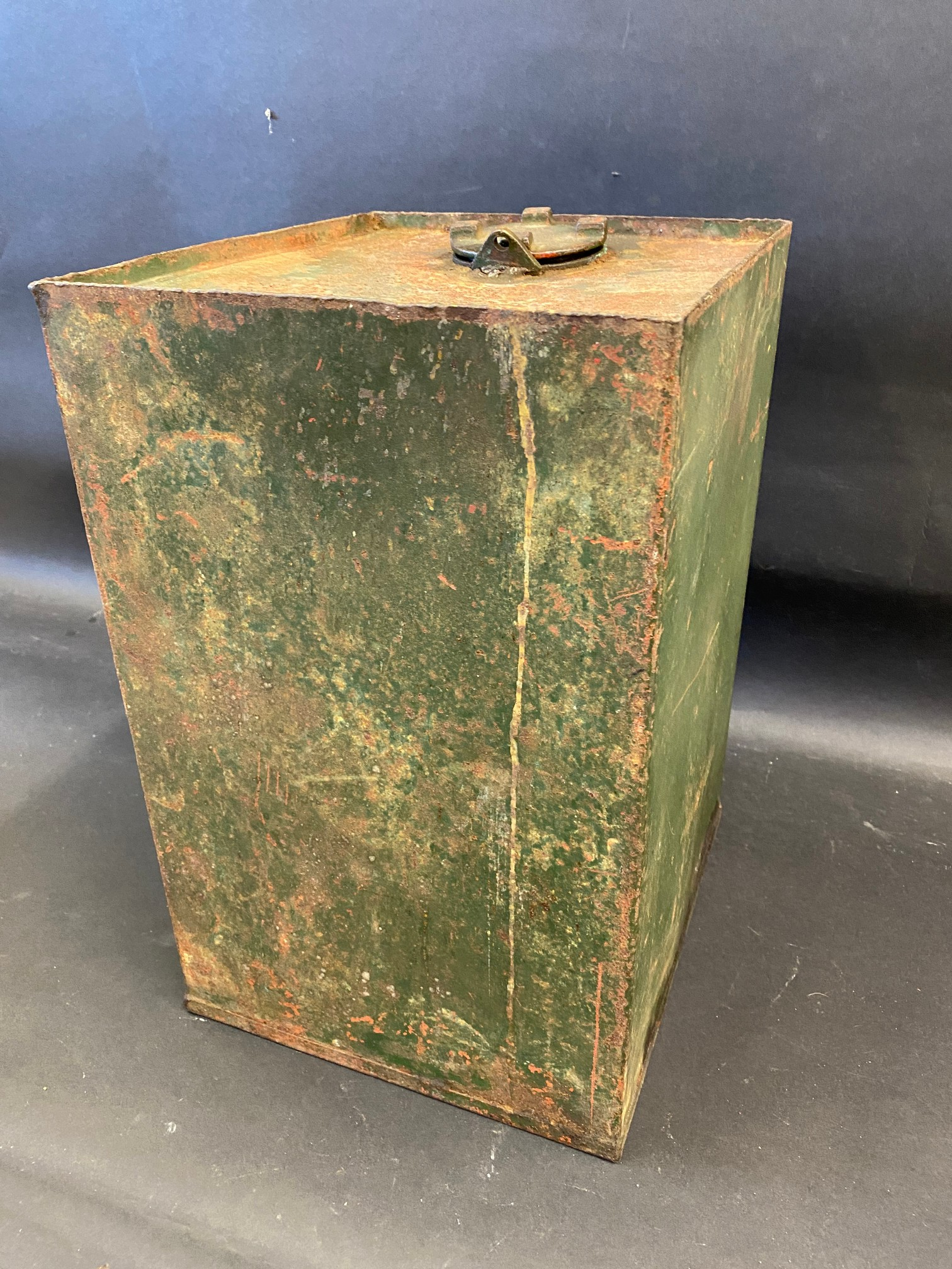 A Sealed Golden Shell motor oil cabinet tank. - Image 3 of 3