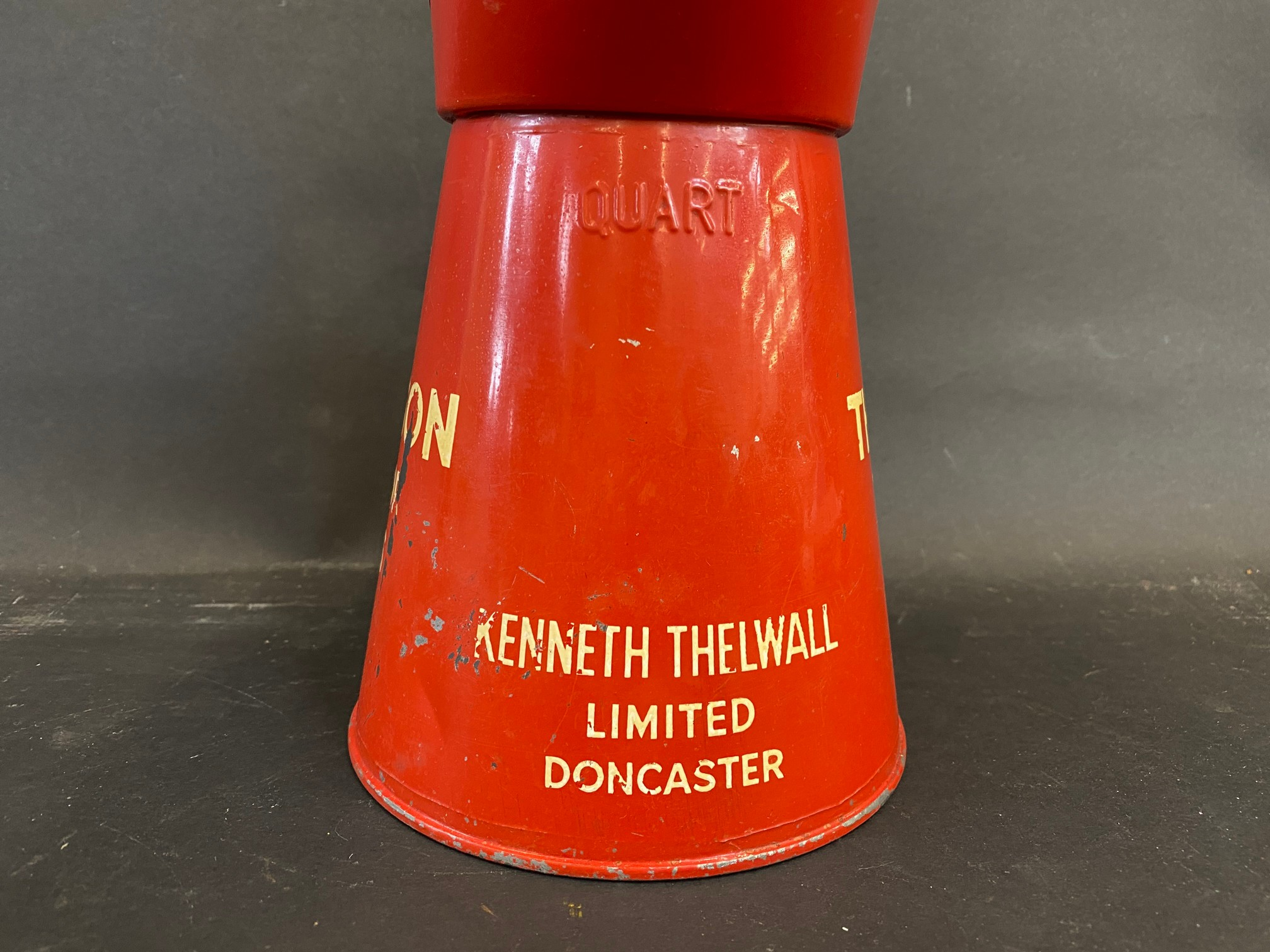 A Thelson Tractor Oils quart measure, in good condition. - Image 2 of 5