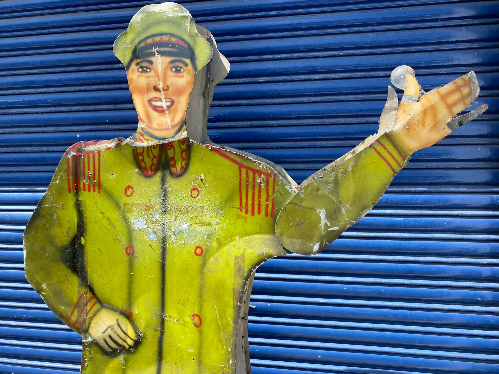 A tall American tin freestanding double sided garage forecourt attendant, with moving arm to draw - Image 2 of 5