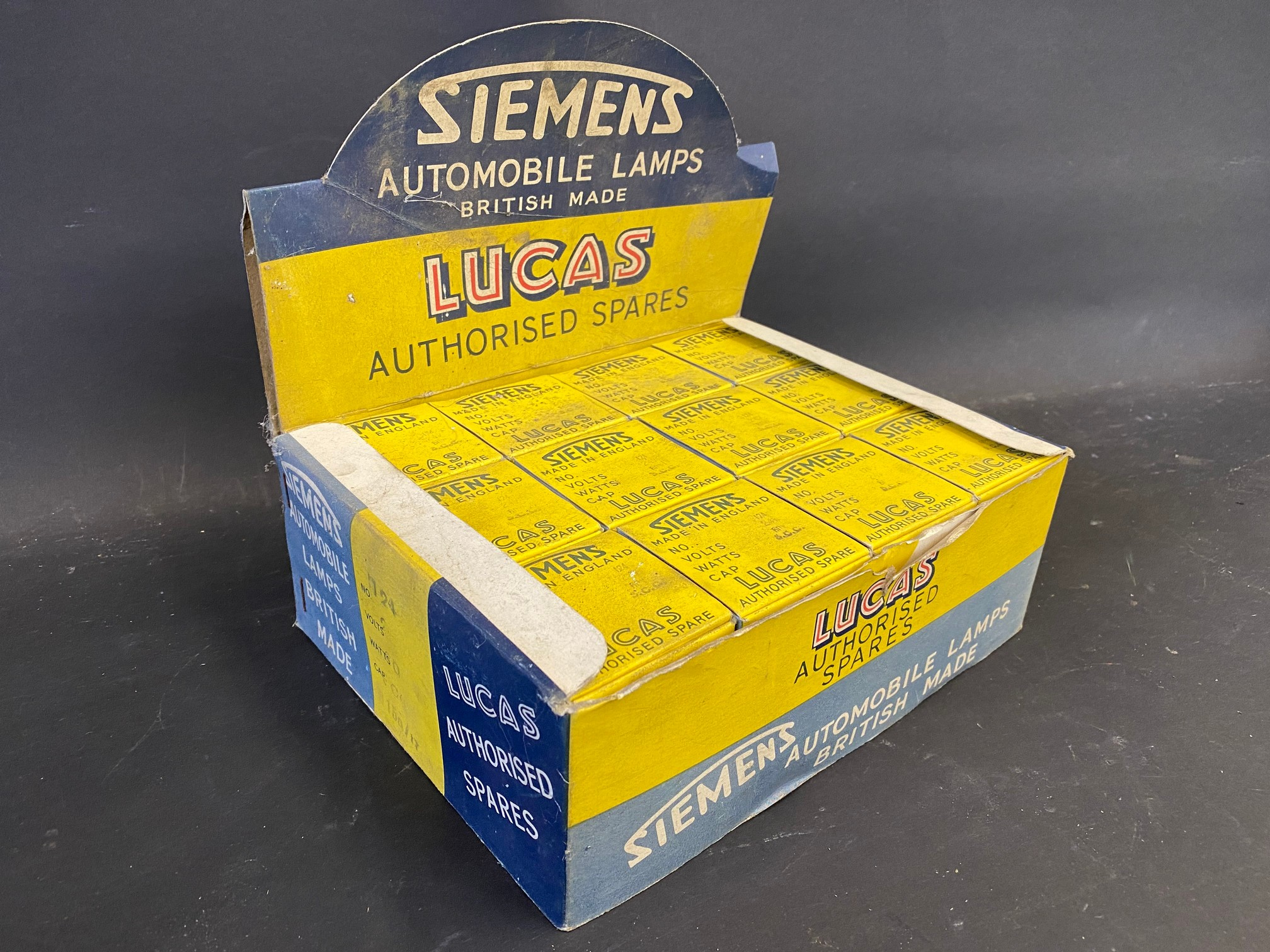 A counter top dispensing box for Siemens Automobile Lamps.