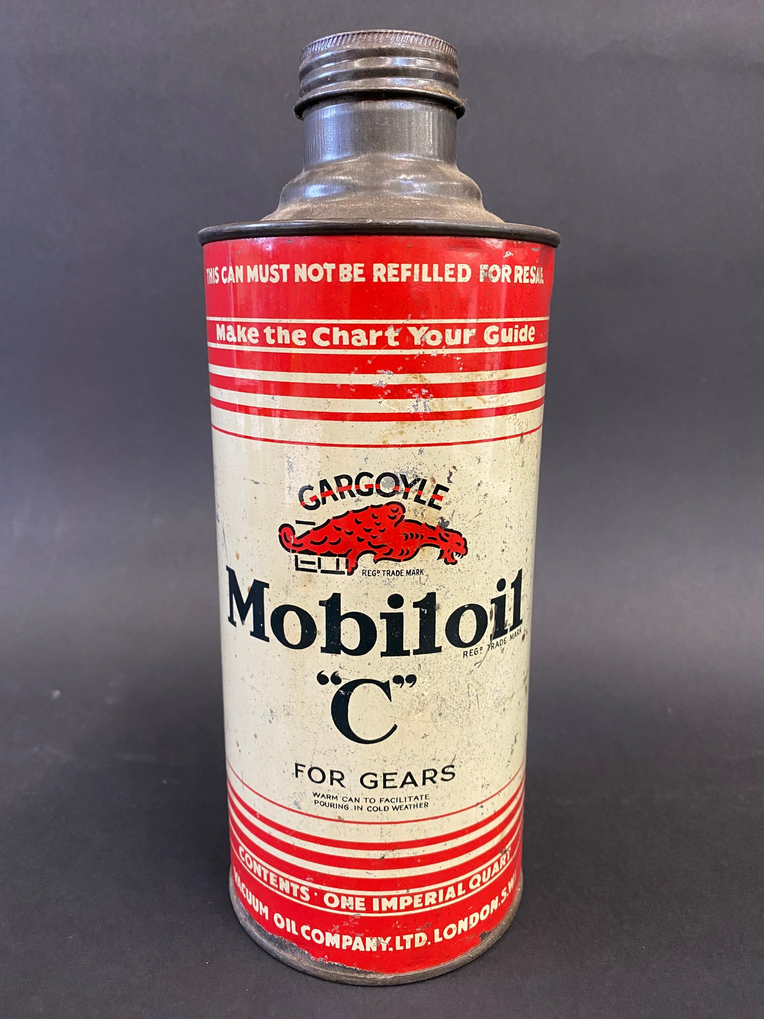 A Gargoyle Mobiloil 'C' grade cylindrical quart can, in good condition.