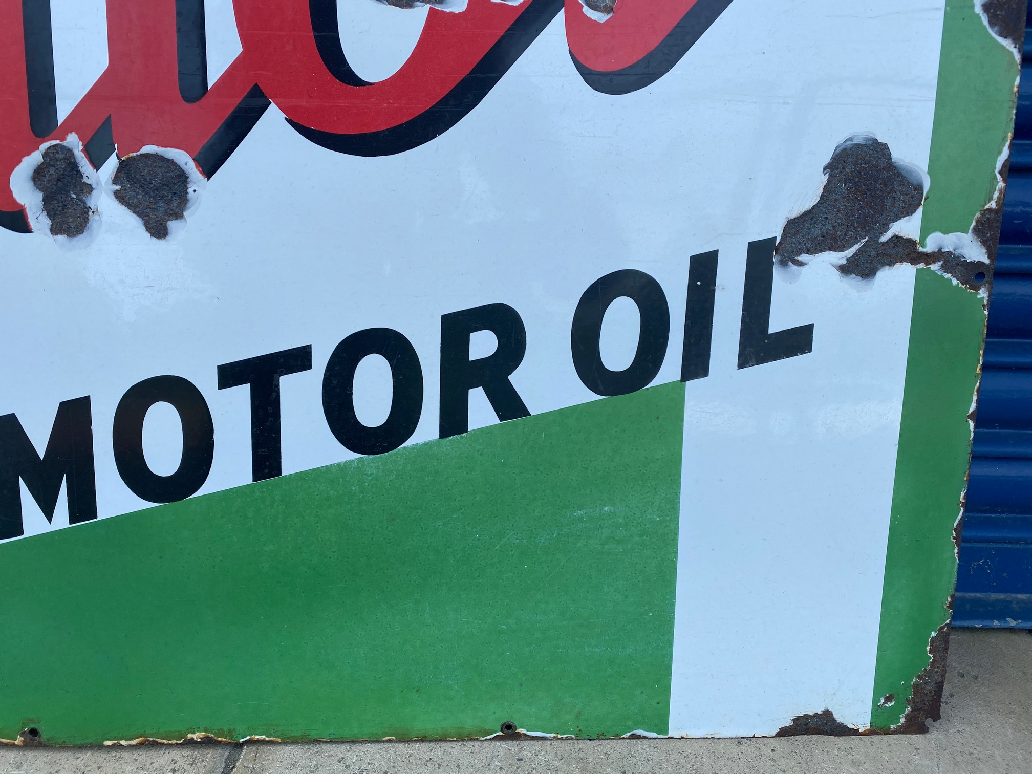 """A large Wakefield Castrol Motor Oil rectangular enamel sign with good gloss, 48 x 36"""". - Image 3 of 4"""