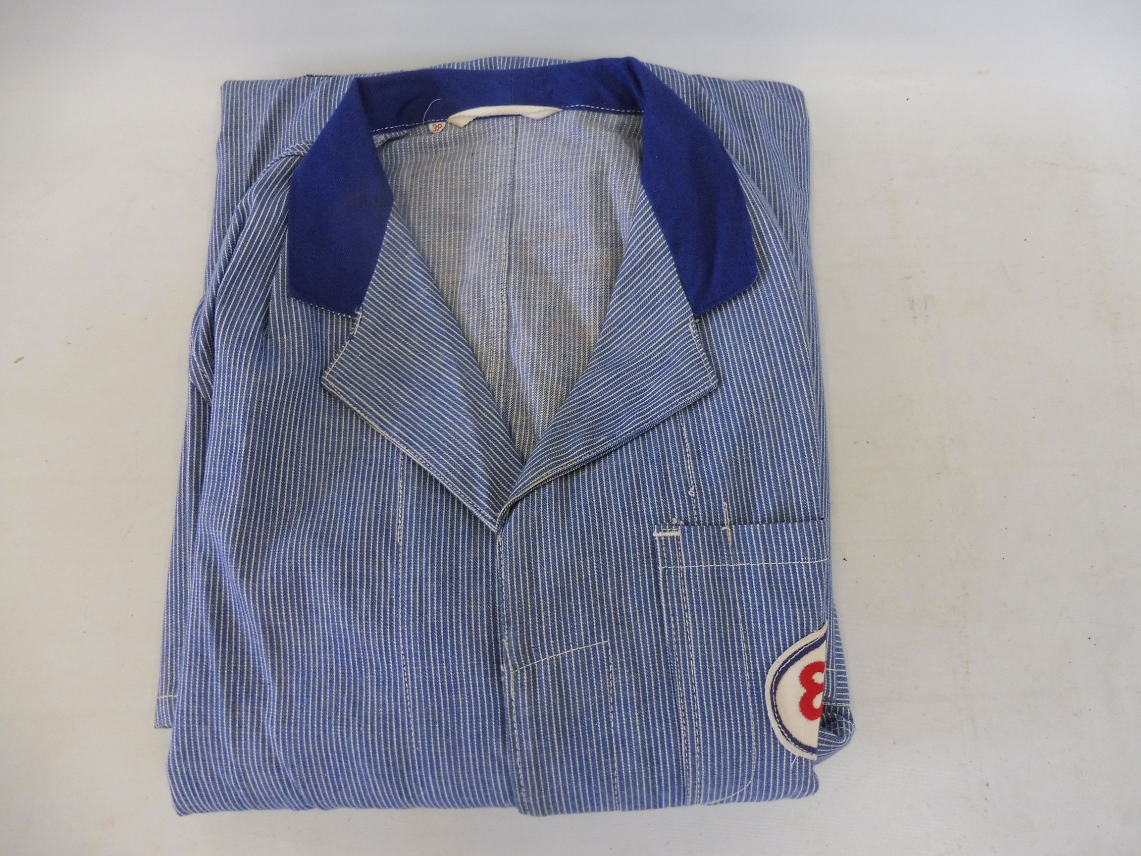 A new old stock overcoat with Esso branding, manufactured by Beacon Reg'd, size 38 (slightly - Image 6 of 6
