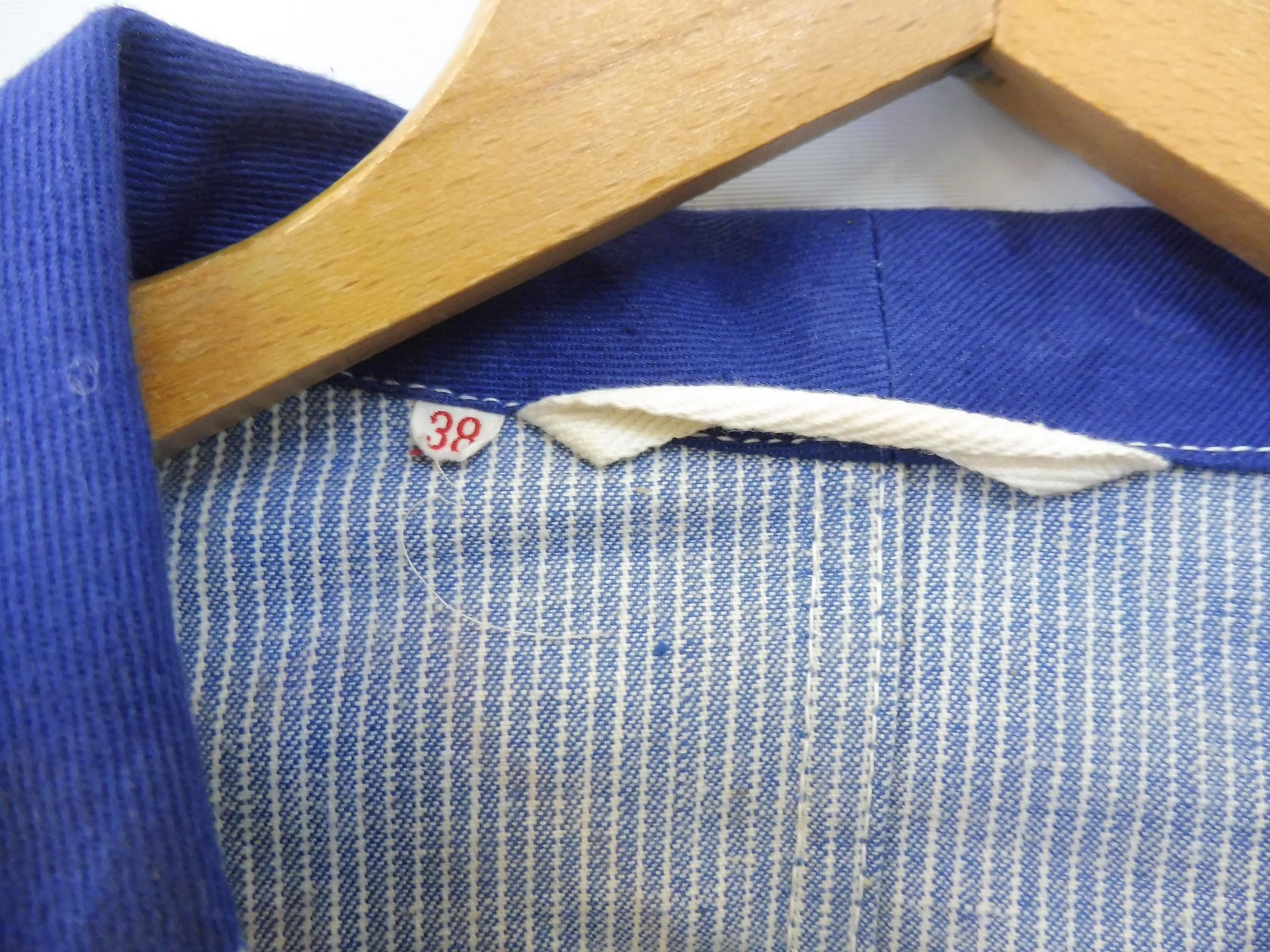 A new old stock overcoat with Esso branding, manufactured by Beacon Reg'd, size 38 (slightly - Image 3 of 6
